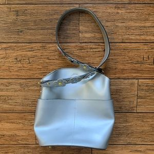 Borse in Pelle Bags - Silver Leather Bag with Cut Flowers on Strap